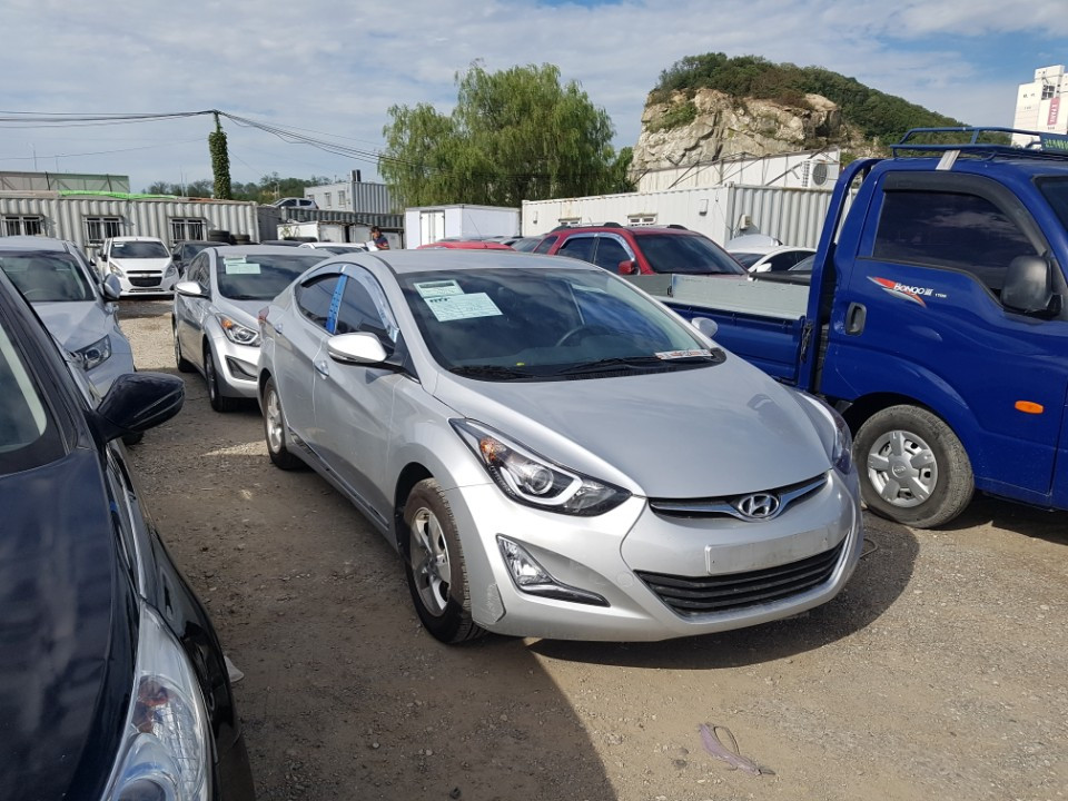 Hyundai Elantra. Peru used car. Korean Used car