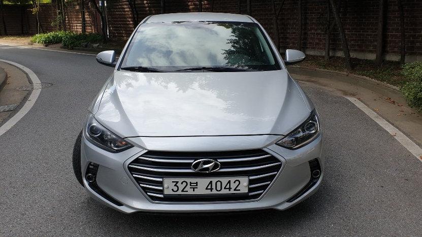 Hyundai Avante_Elantra_Gasoline_2017y