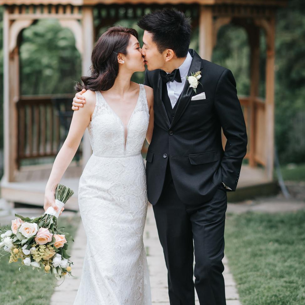 doctors-house-wedding-gazebo-romantic.jp