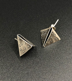 Pyramid Studs