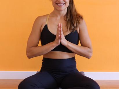 Encuentra tu postura sentada para meditar sin dolores