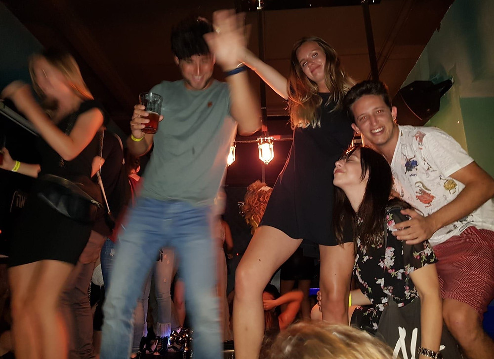 D-TLV Pub Crawl