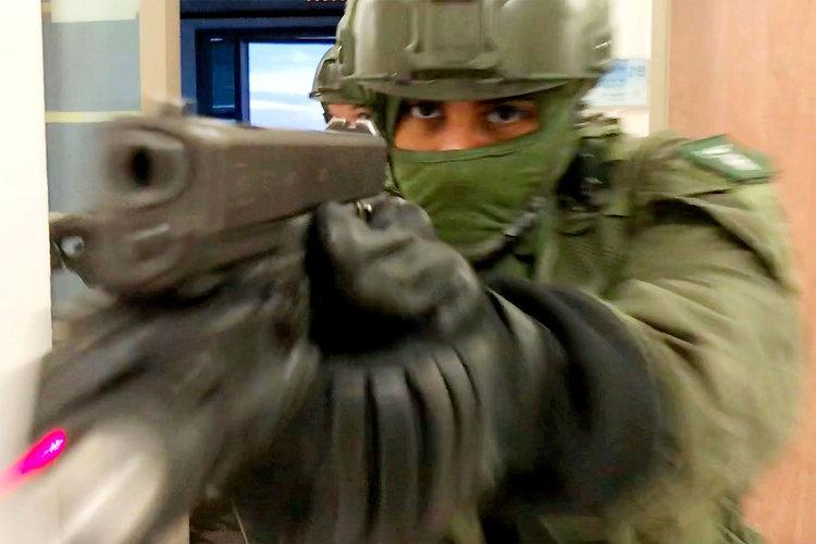 t-MAG-1118-Israeli-Forces.jpg