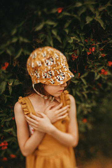 Hollie Jeakins Photographer_Cinematic_Nostalgic_Vintage_Girl.jpg
