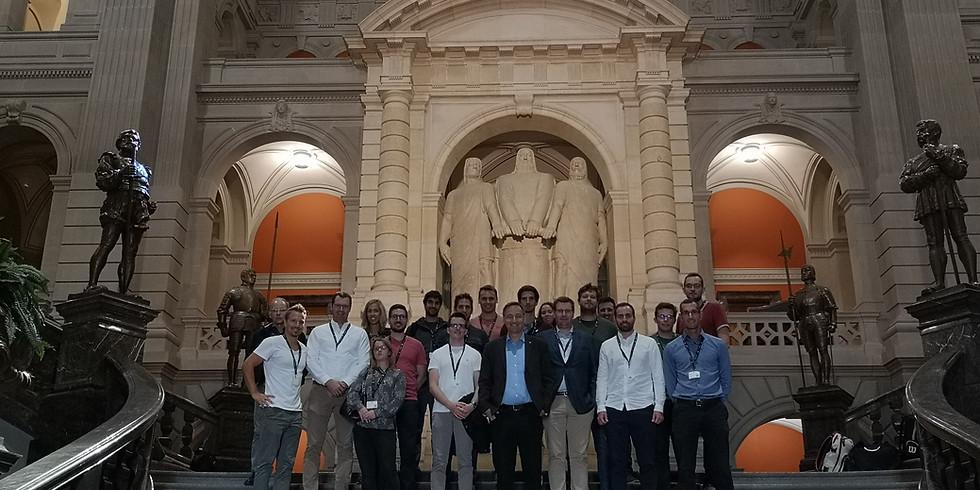 YENO zu Besuch beim Bundeshaus in Bern