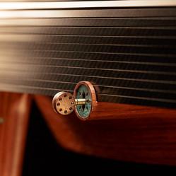 The locking mechanism of the shutter