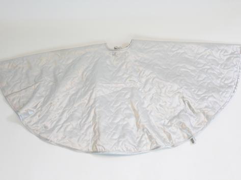 white tree skirt.png