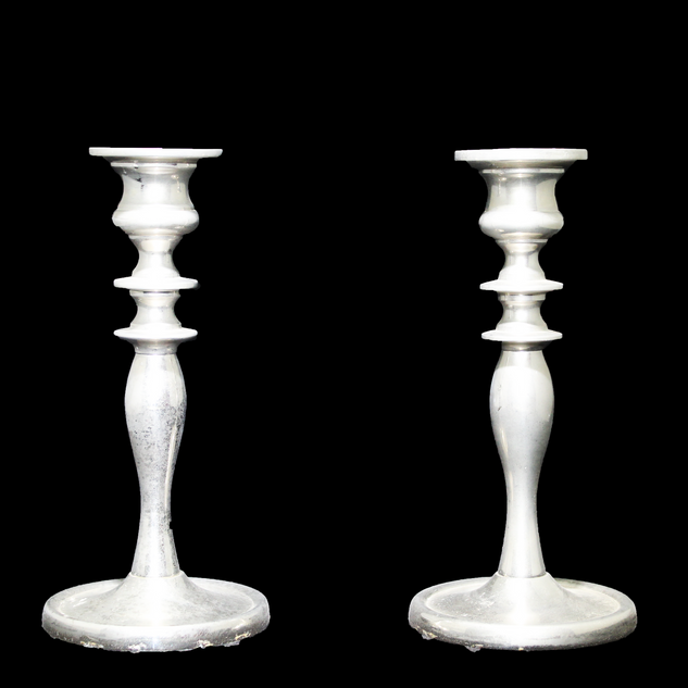 silver candlestand.png