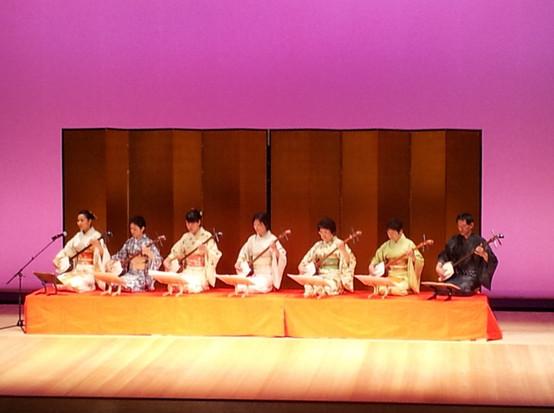 日本舞踊の発表会との合同舞台の様子