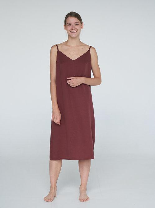 Платье-комбинация в бордовом цвете