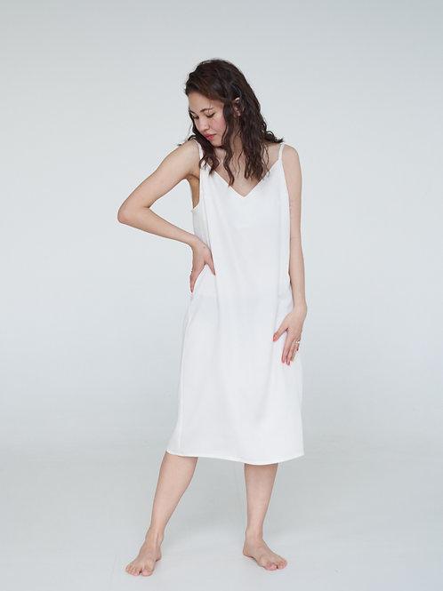 Платье-комбинация в молочном цвете