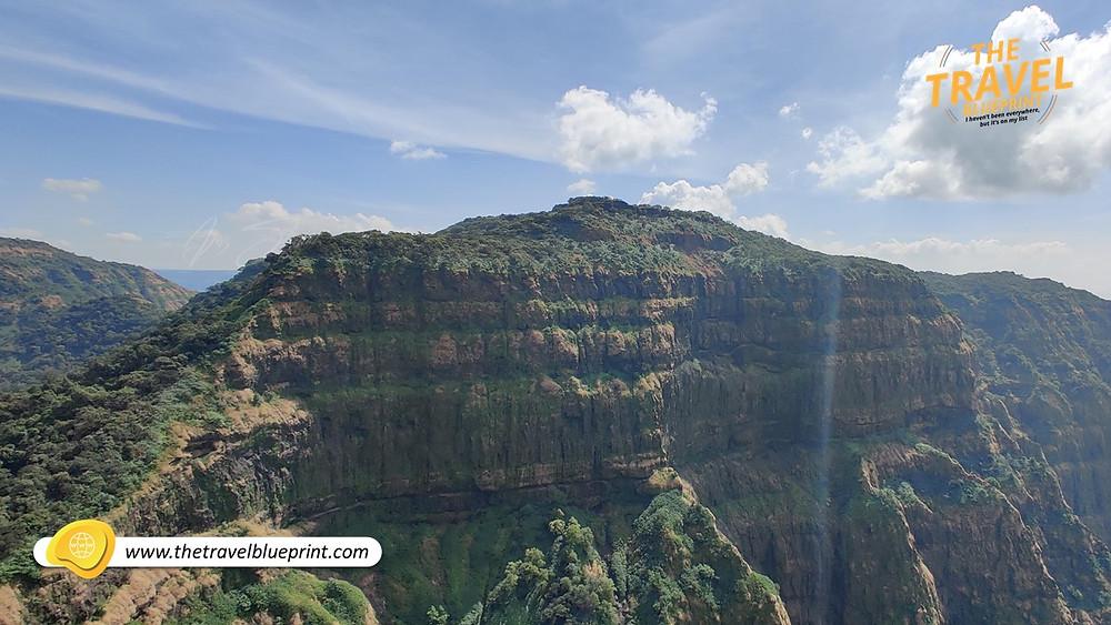 Babu Kada: A huge U shaped cliff that lies next to the Vasota Fort