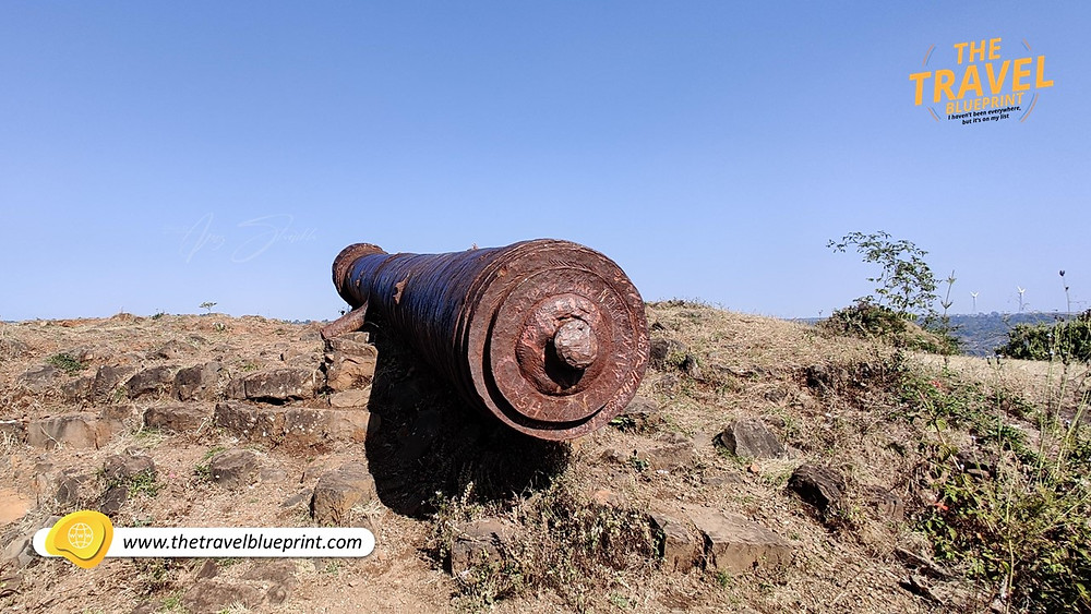 The largest canon at the southern end of Gawilgarh Fort