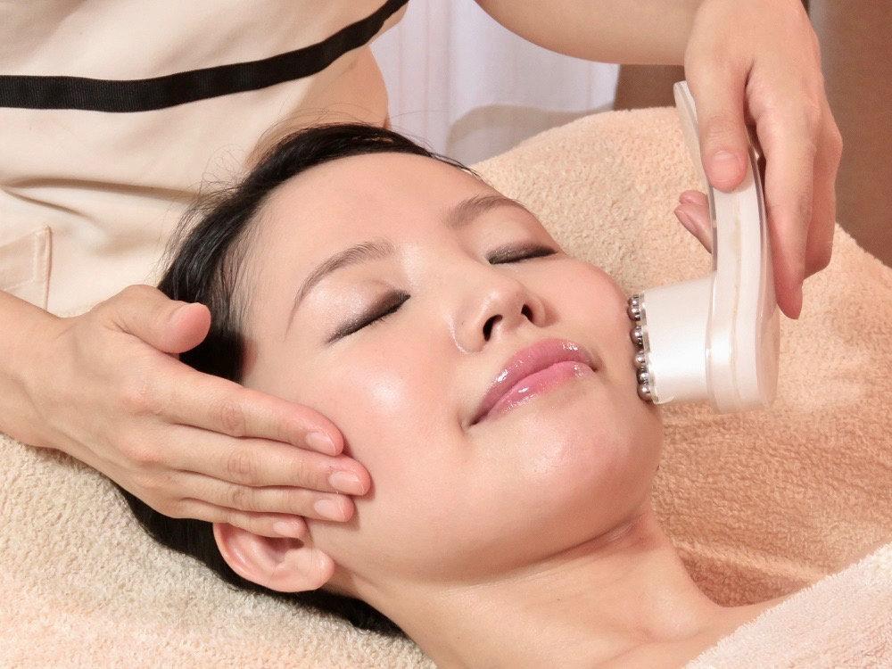 Anti-aging collagen Facial 60min
