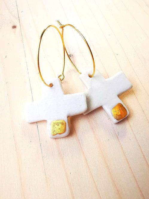 Paire de boucles d'oreilles CROSS  porcelaine by @kikikirikiki .