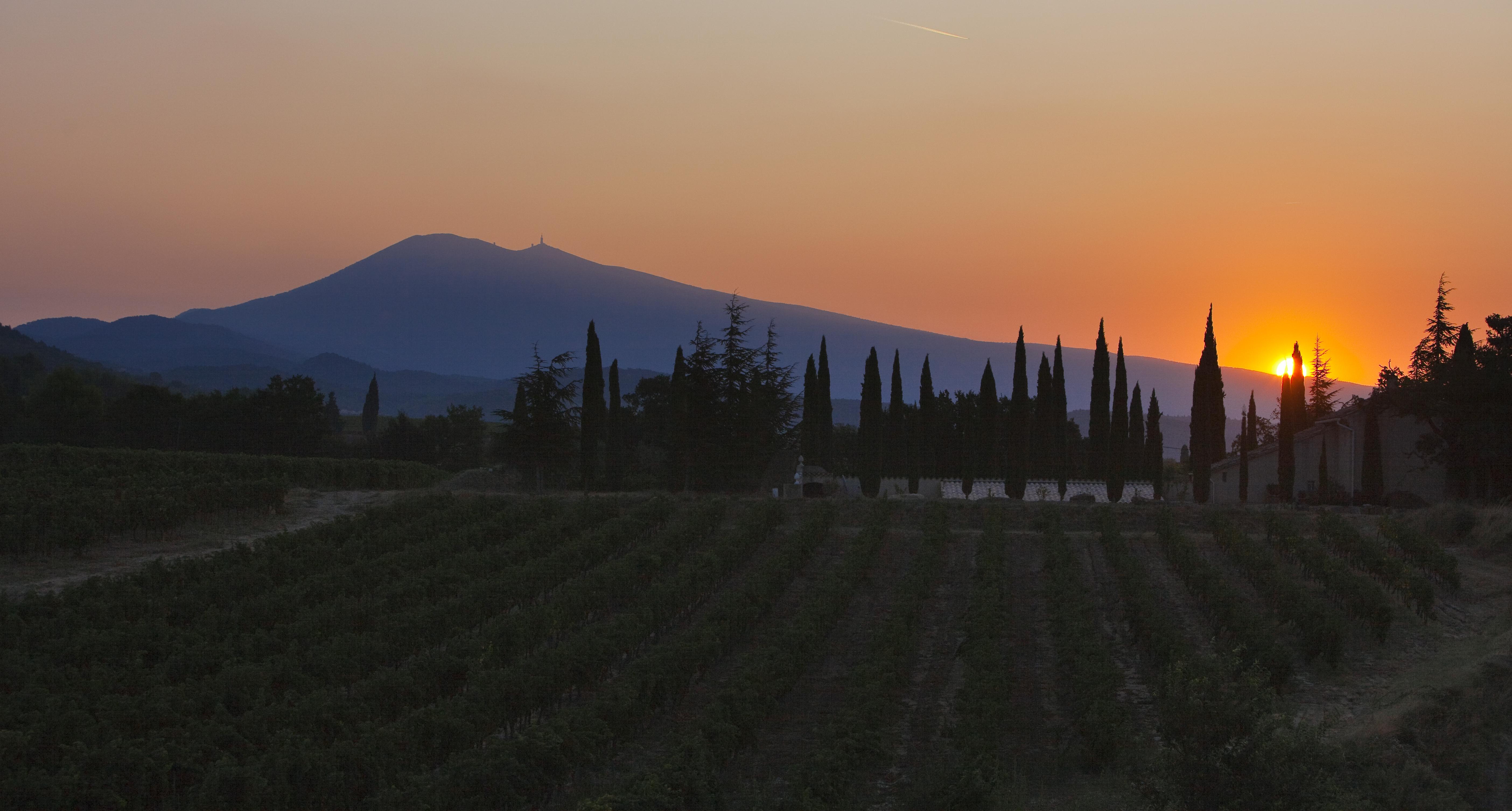 Le Ventoux au lever du soleil