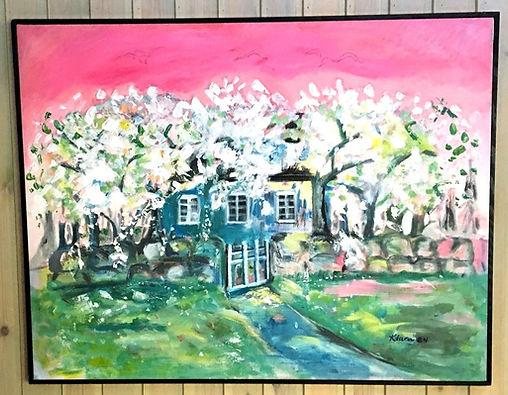målning på ett hus och vacker natur