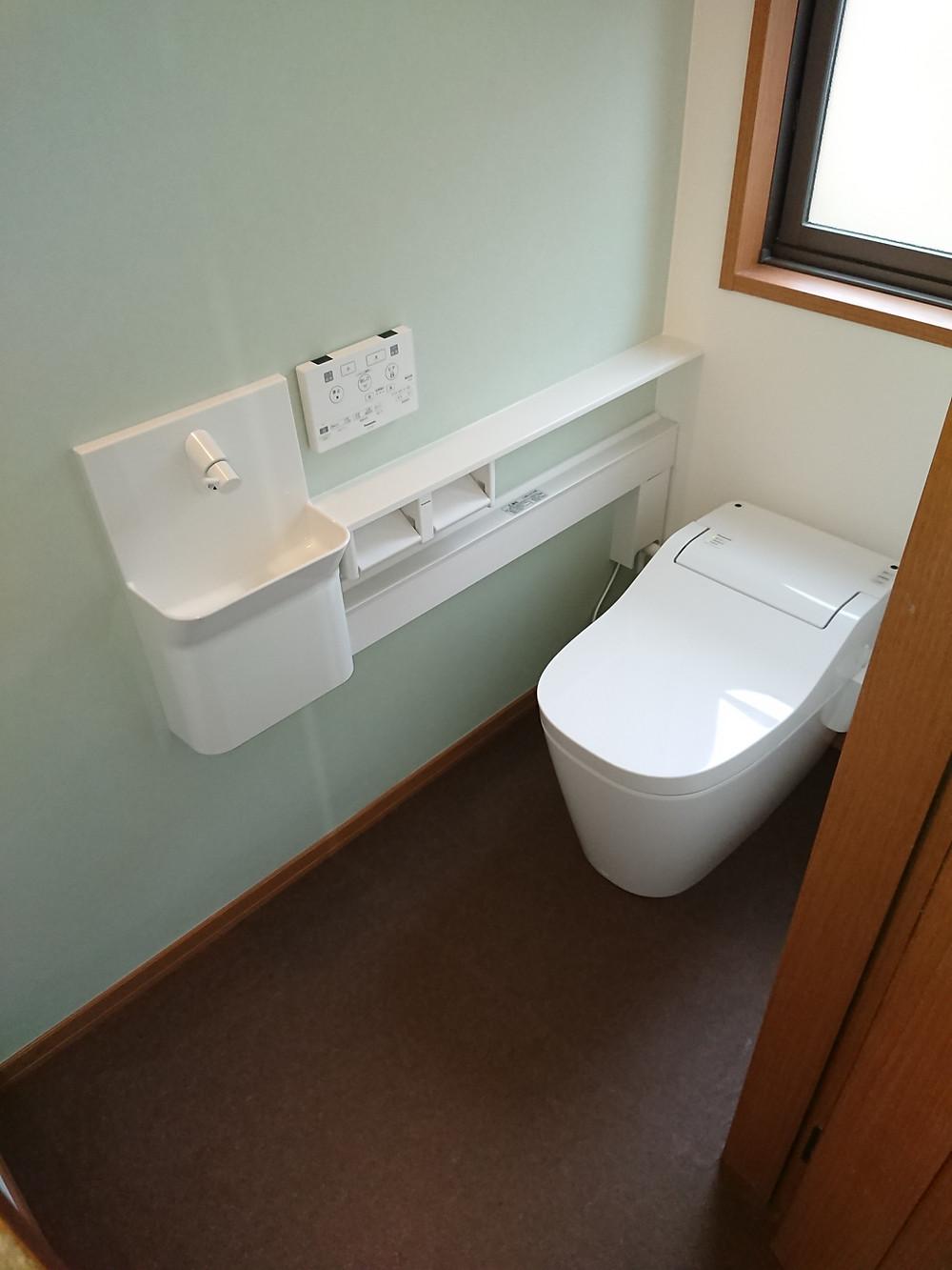 豊中市 H邸 トイレリフォーム 施工後 Panasonic アラウーノS2 専用手洗い カウンター
