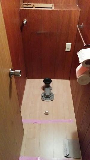 2f トイレ フローリング アジャスターセット