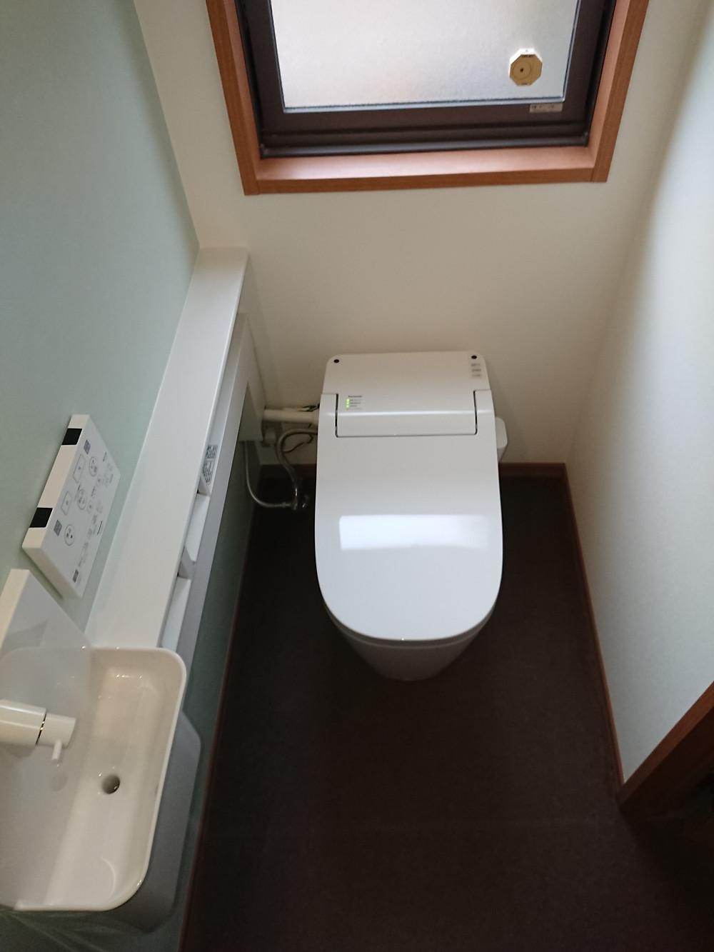豊中市 H邸トイレリフォーム施工後 Panasonic アラウーノS2専用手洗い