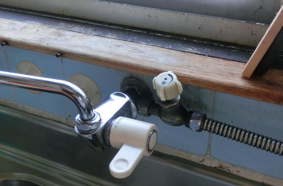 漏水が疑われる給水栓 配管 修理