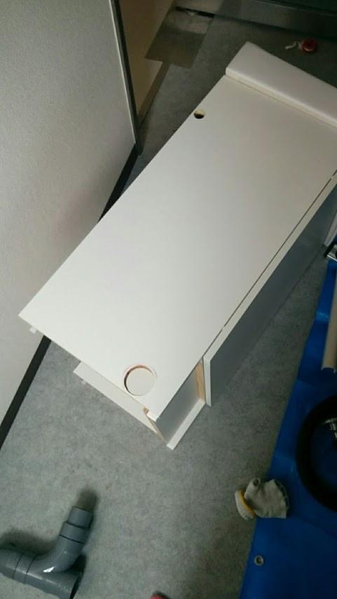 洗濯防水パンと洗面台の増設工事 洗面台の加工