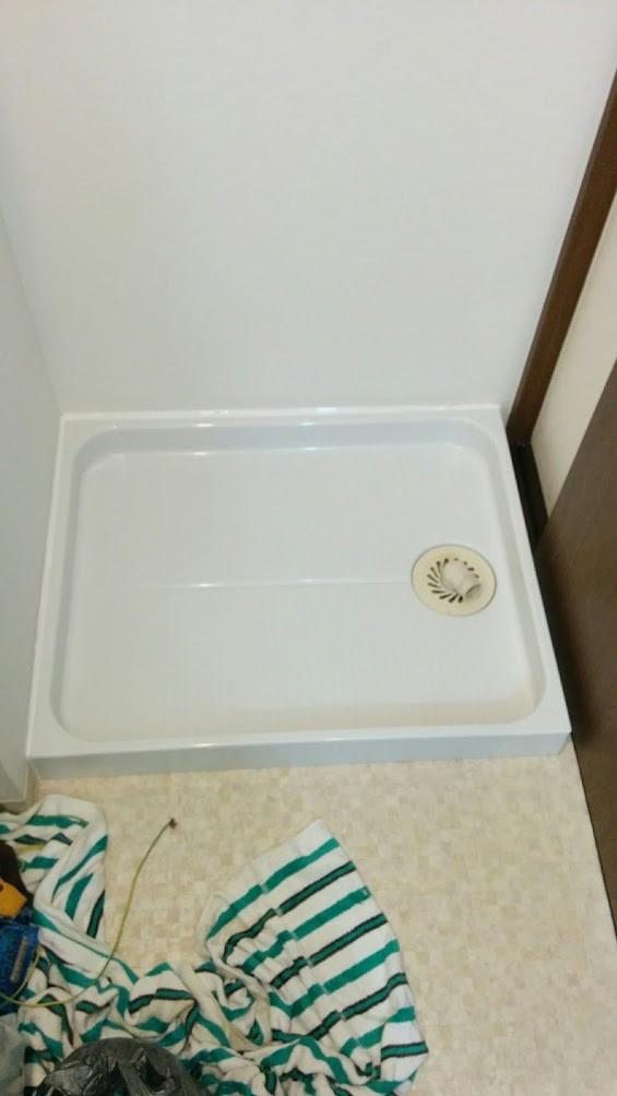 洗濯パン取替え完了 シリコン塗布