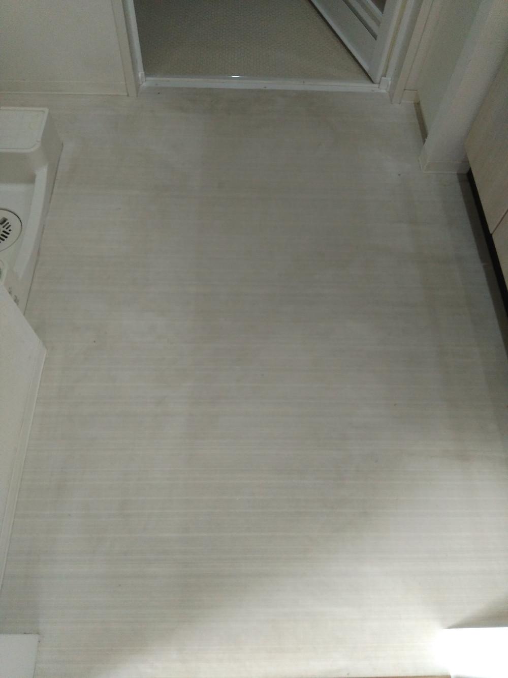 大阪市 トイレ改装工事 洗面所床クッションフロアー張替