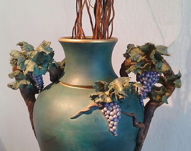 Bonnie Belt, Large Grapevine Urn