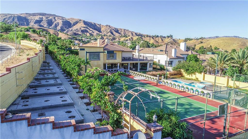 granada hills large lots homes for sale