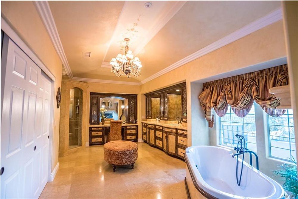 bridleweood estates master bathroom