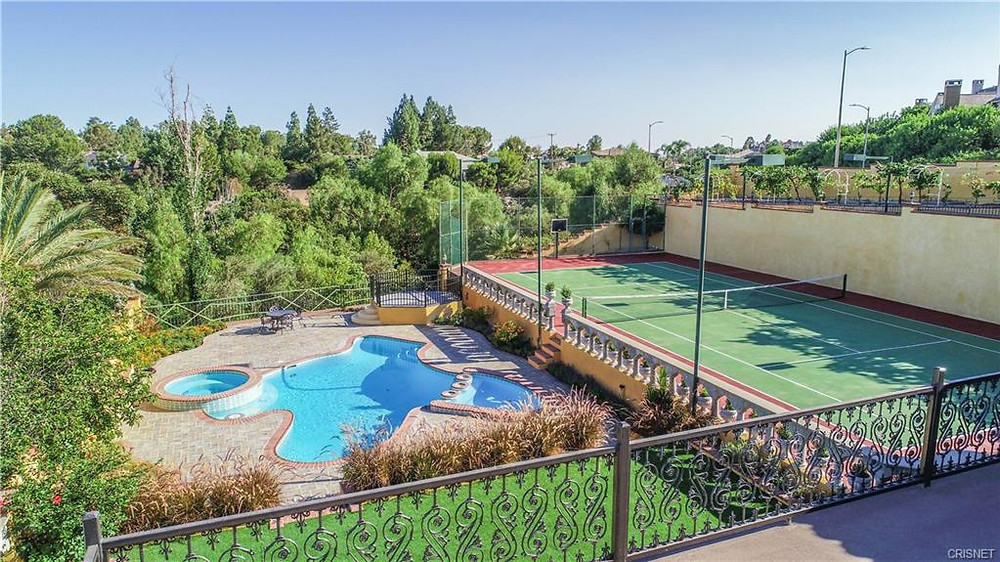 granada hills pool homes for sale