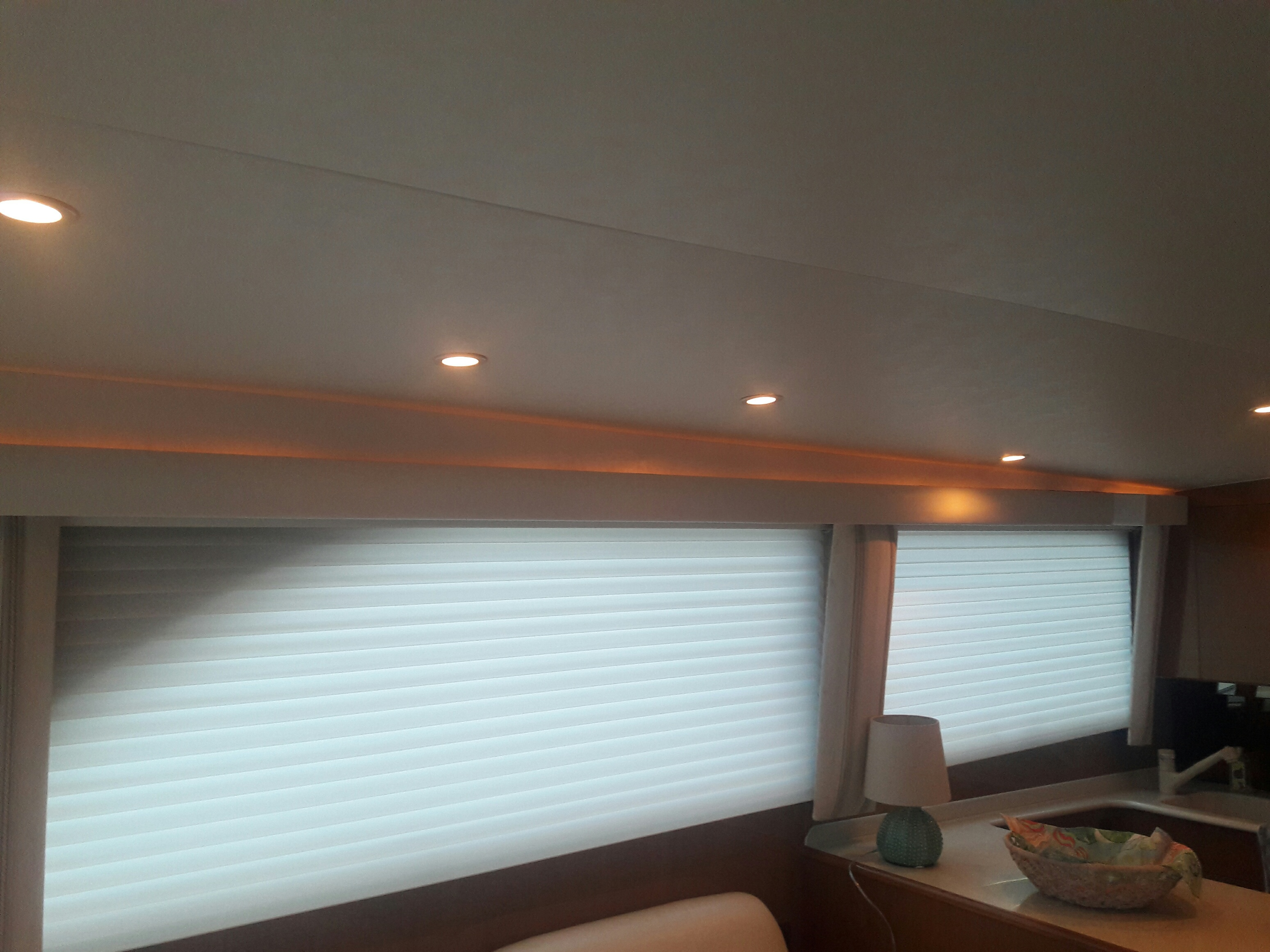 Hunter Douglas Motorized Silhouettes