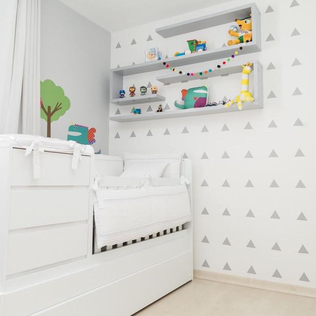 Decoração-de-quarto-de-bebê-clean-com-po