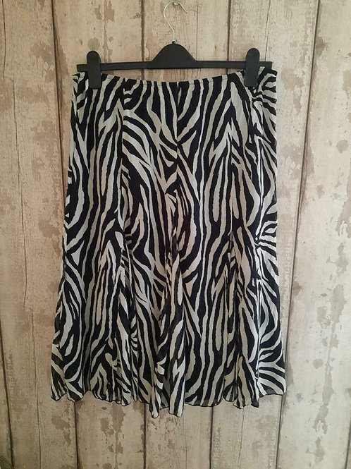 NEW Per Una Black White Fully Lined Crinkle Chiffon Panelled Skirt Size 14