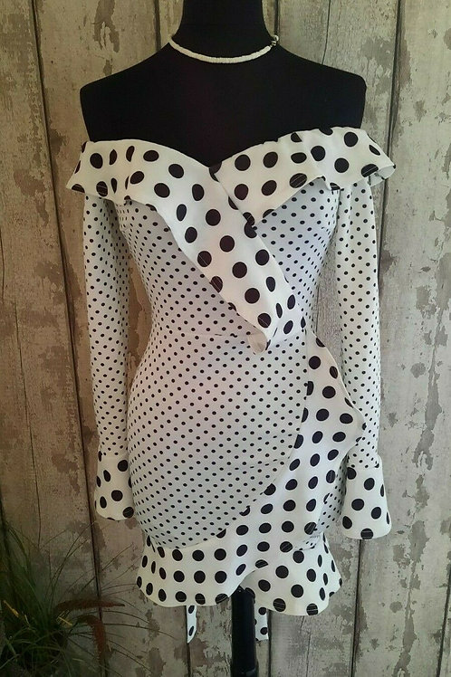 NEW Boohoo Black White Stretch Frilled Soft Stretch Bardot Occasion Dress Sz 10