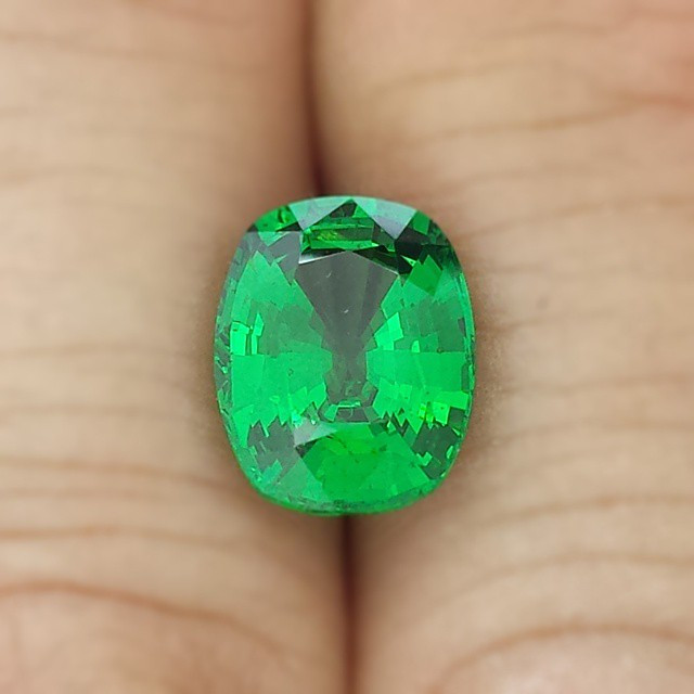 We love our #finegems.  Behold this 4.11 ct #tsavorite.  #Amazing and very #rare in this size.jpg
