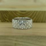 R6640A1.diamond.728509.art300dpi.jpg