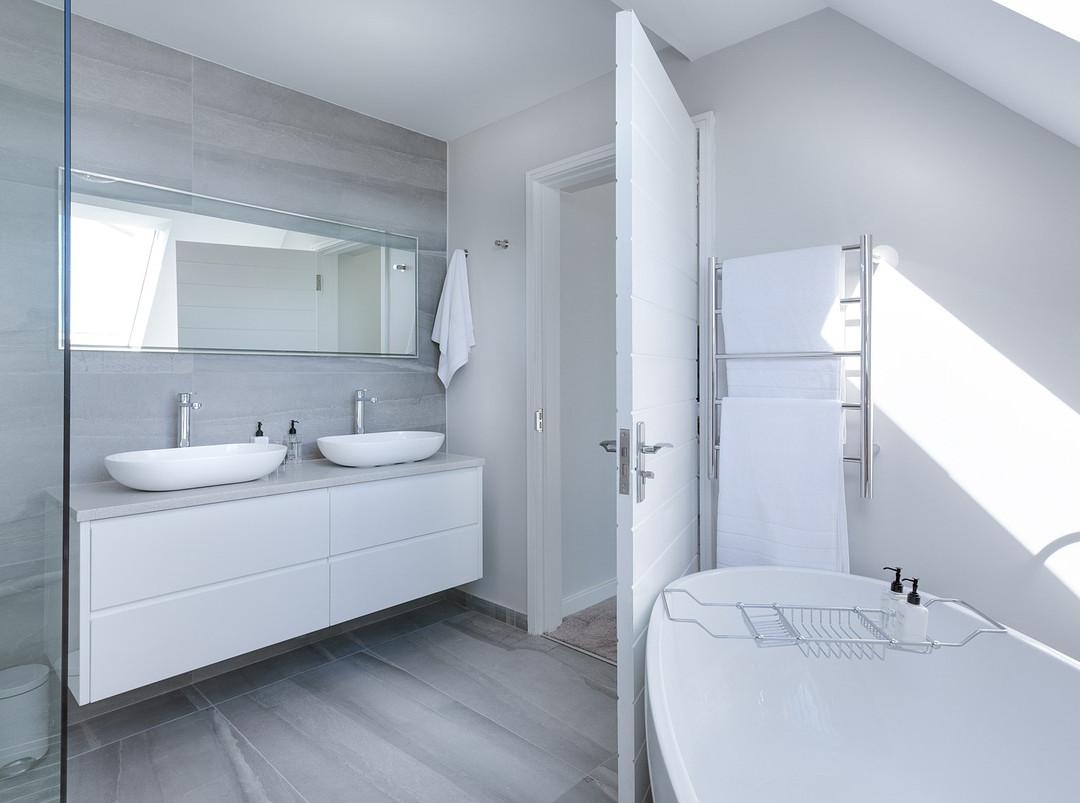 Sleek modern bathroom renovation