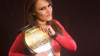 Even As SHIMMER Champion, Cheerleader Melissa Must Prove Her Doubters Wrong