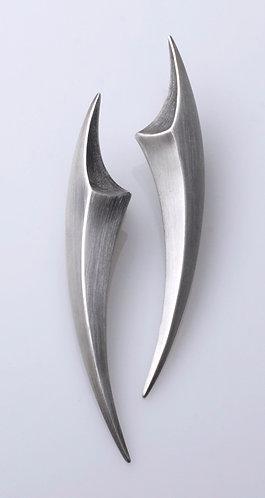 E48 Fang Earrings