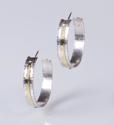 E57gold Line Detail Hoop Earrings (Medium)