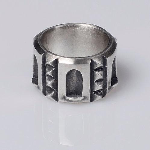R38 Niche Ring
