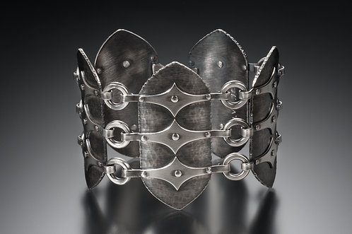 B300 Medieval Link Bracelet