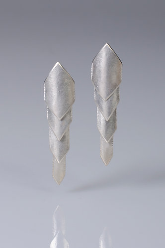 E99 Dragon Scale Earrings (Light)