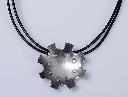 N192 Scoop Disc Necklace