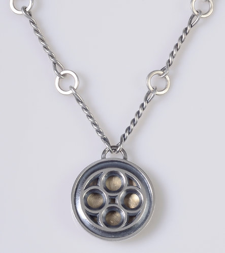 N70 Round Tracery Necklace