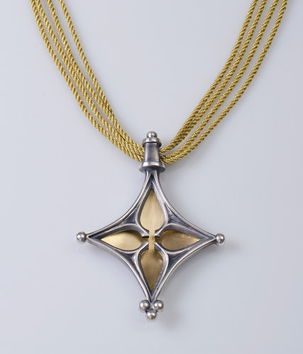 N72 Golden Gothic Flower Necklace