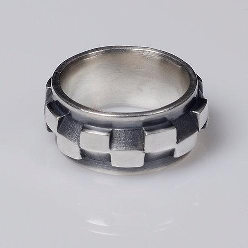 R60 Alternating Blocks Ring