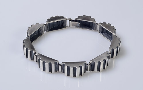 B100 Column Section Links Bracelet